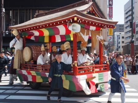 Asakusa Sanja Festival cannot be more exciting.